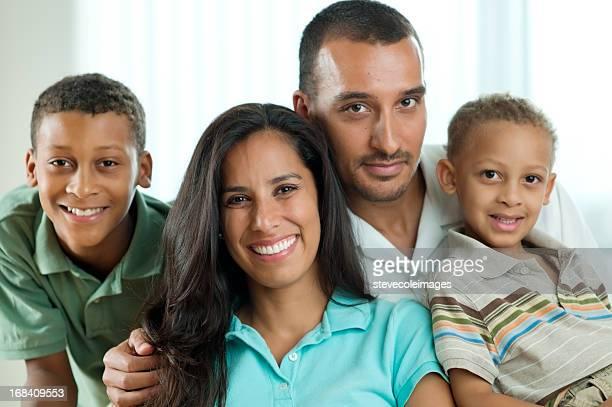 Portrait de famille de moyen-orientale