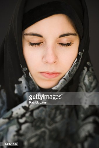 jean single muslim girls There is no singular look when it comes to muslim women's the 18-year-old founder of the hijab project takes strides every single day and i wear skinny jeans.