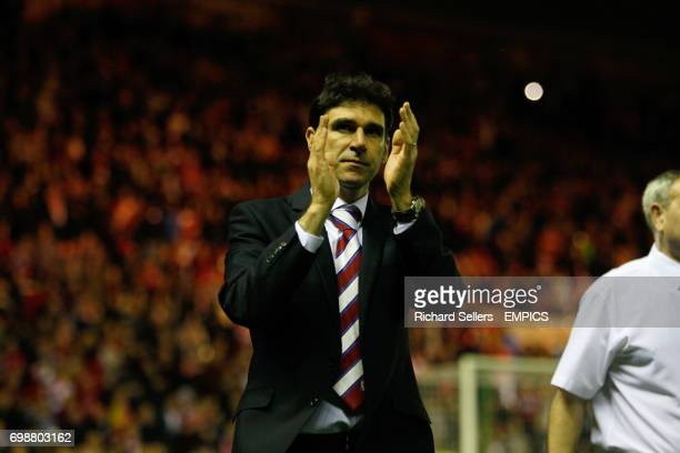 Middlesbrough's manager Aitor Karanka applauds the home support