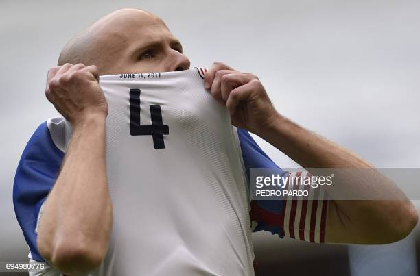 US midfielder Michael Bradley celebrates after scoring against Mexico during their 2018 World Cup Concacaf qualifier football match in Mexico City on...