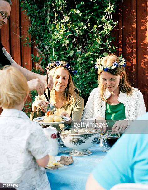 Midsummer celebrations at a table.