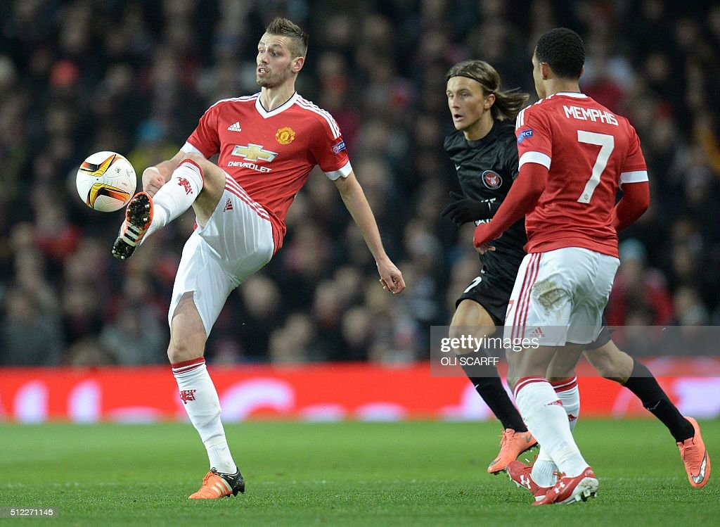 FBL-EUR-C3-MAN UTD-MIDTJYLLAND : News Photo