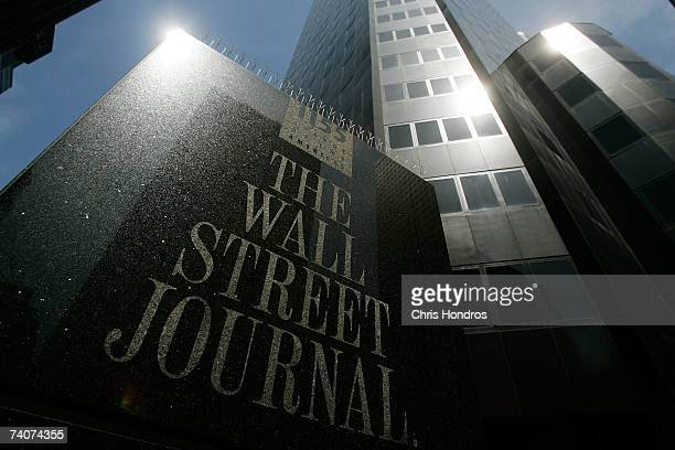 Midtown Manhattan office of the Wall Street Journal is seen May 4 2007 in New York Rupert Murdoch made an offer to buy Dow Jones Co for $5 billion...