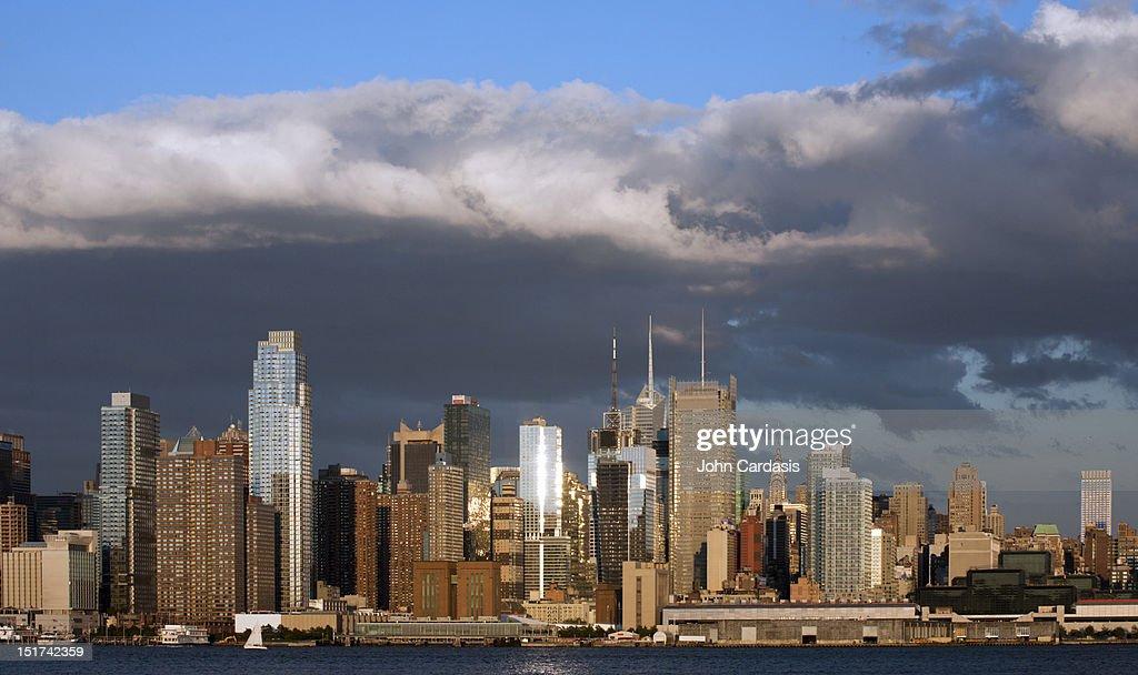 Midtown Manhattan skyline at sunset : Stock Photo