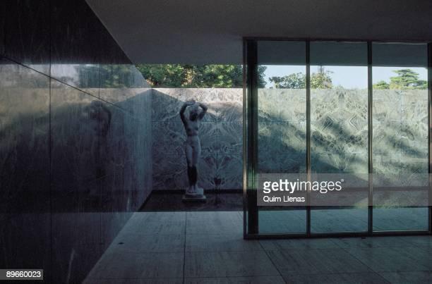 Mies Van de Rohe ´s pavilion Barcelona Sculpture of the Mies Van de Rohe ´s pavilion Barcelona