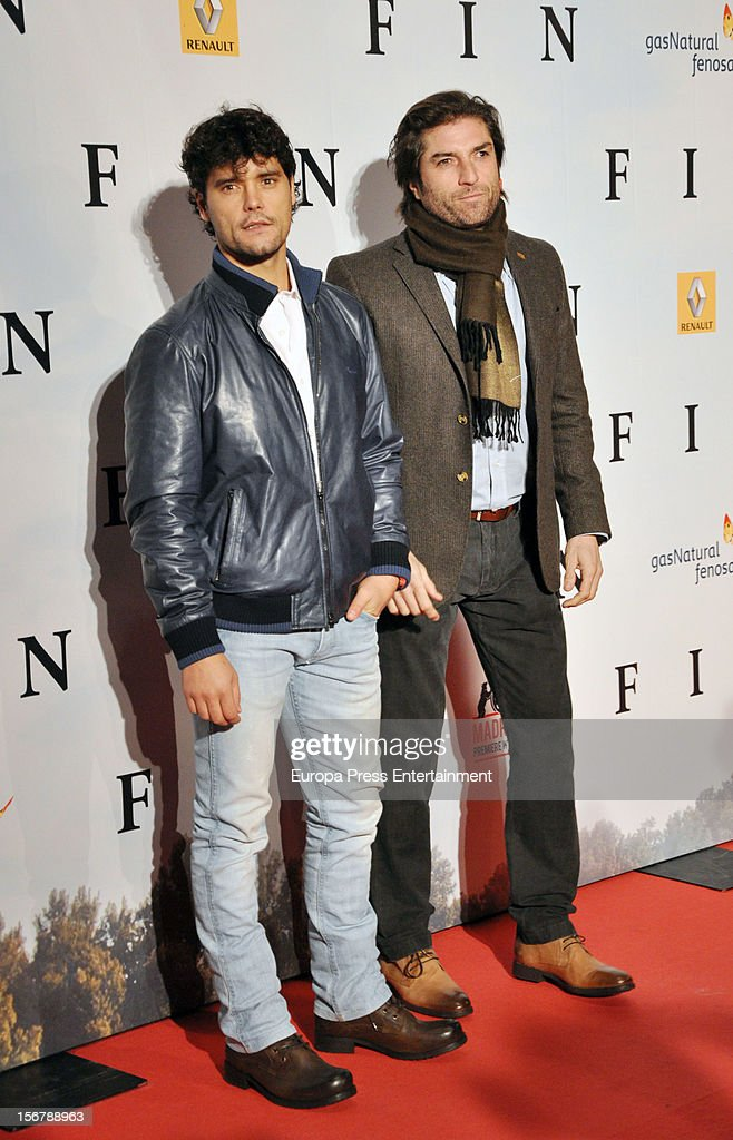 <a gi-track='captionPersonalityLinkClicked' href=/galleries/search?phrase=Miguel+Abellan&family=editorial&specificpeople=714720 ng-click='$event.stopPropagation()'>Miguel Abellan</a> (L) attends 'Fin' premiere on November 20, 2012 in Madrid, Spain.