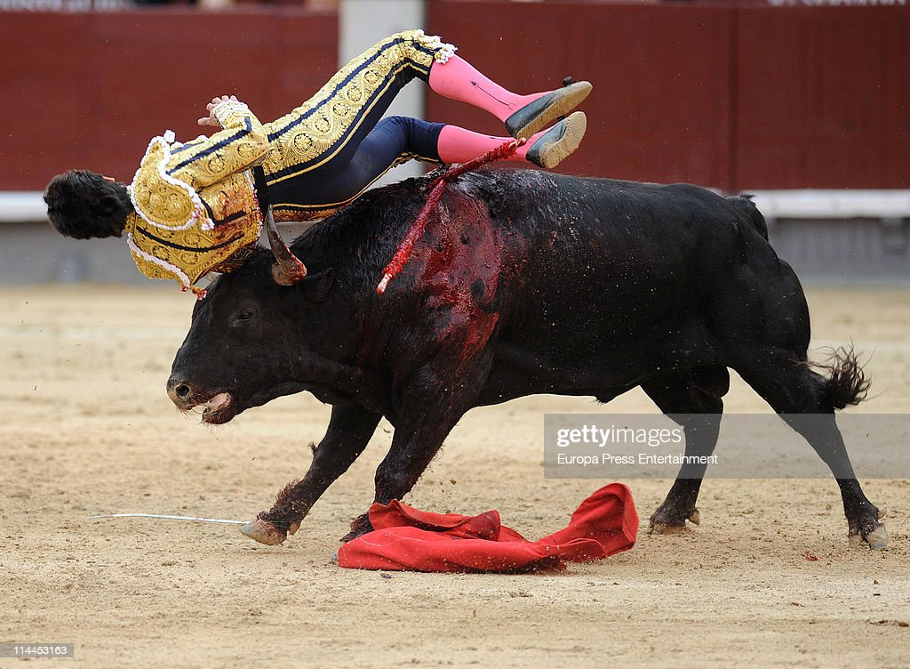 Celebrities Attend Bullfight Season In Madrid - May 19, 2011