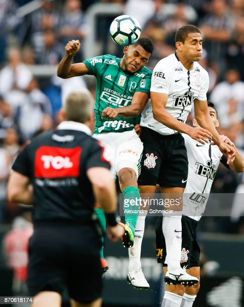 Miguel Borja of Palmeiras and Pablo of Corinthians in action during the match between Corinthians and Palmeiras for the Brasileirao Series A 2017 at...