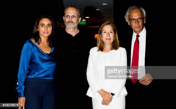 Miguel Bose Congress president Ana Pastor Bonaventura Clotet and Paloma Segrelles during 'Hablemos Sobre el SIDA' Talks in Madrid on September 5 2017...