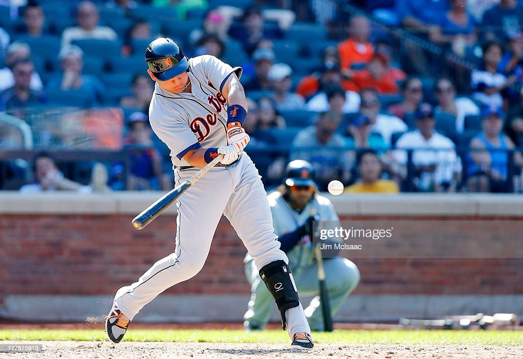 <a gi-track='captionPersonalityLinkClicked' href=/galleries/search?phrase=Miguel+Cabrera&family=editorial&specificpeople=202141 ng-click='$event.stopPropagation()'>Miguel Cabrera</a> #24 of the Detroit Tigers connects on a ninth inning base hit against the New York Mets at Citi Field on August 25, 2013 in the Flushing neighborhood of the Queens borough of New York City. The Tigers defeated the Mets 11-3.