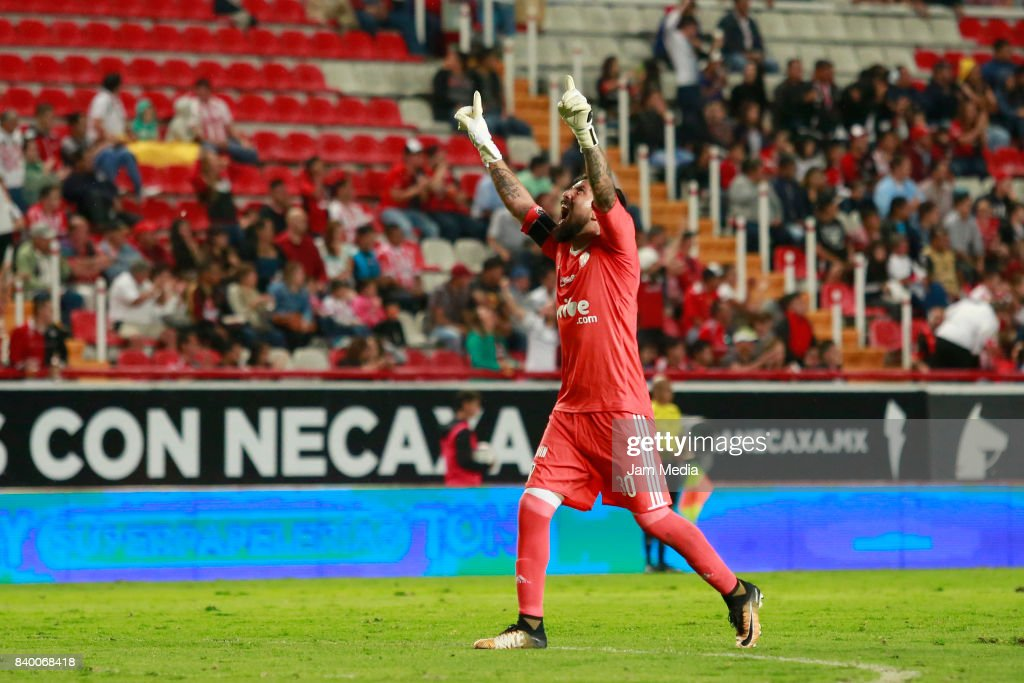 Miguel Fraga goalkeeper of Atlas celebrates after teammate Facundo Erpen (not in frame) scored the first goal of his team during the seventh round match between Necaxa and Atlas as part of the Torneo Apertura 2017 Liga MX at Victoria Stadium on August 26, 2017 in Aguascalientes, Mexico.