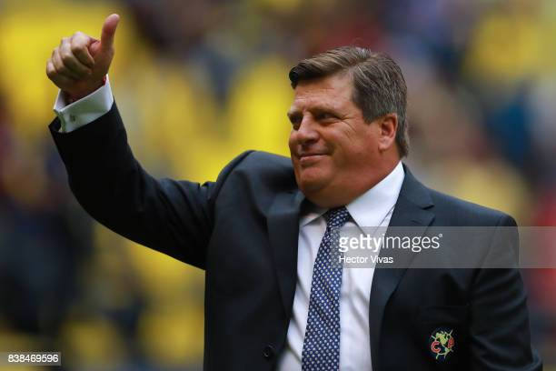 Miguel Herrera Coach of America gives a thumb up during the 6th round match between America and Tigres UANL as part of the Torneo Apertura 2017 Liga...