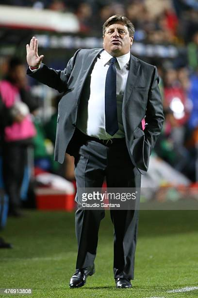 Miguel Herrera coach of Mexico gestures during the 2015 Copa America Chile Group A match between Mexico and Bolivia at Sausalito Stadium on June 12...