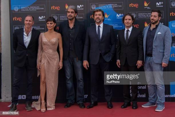 Miguel Menendez de Zubillaga Penelope Cruz Fernando Leon de Aranoa Javier Bardem Dean Nichols attend 'Loving Pablo' photocall during 65th San...