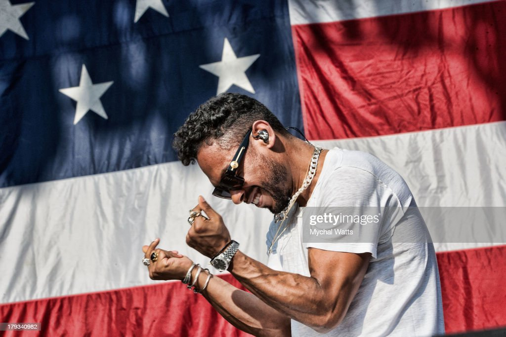 Miguel performs during the 2013 Budweiser Made In America Festival at Benjamin Franklin Parkway on September 1, 2013 in Philadelphia, Pennsylvania.