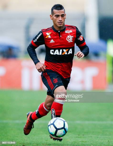 Miguel Trauco of Flamengo in action during the match between Sao Paulo and Flamengo for the Brasileirao Series A 2017 at Pacaembu Stadium on October...