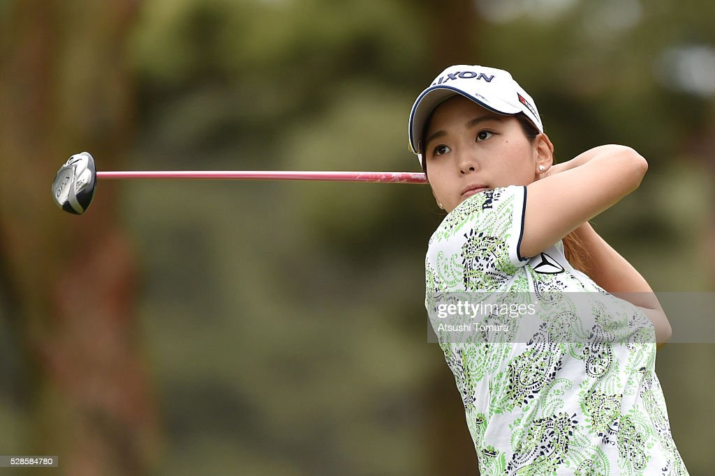 <a gi-track='captionPersonalityLinkClicked' href=/galleries/search?phrase=Miho+Mori+-+Golfer&family=editorial&specificpeople=7856917 ng-click='$event.stopPropagation()'>Miho Mori</a> of Japan hits her tee shot on the 2nd hole during the second round of the World Ladies Championship Salonpas Cup at the Ibaraki Golf Club on May 6, 2016 in Tsukubamirai, Japan.