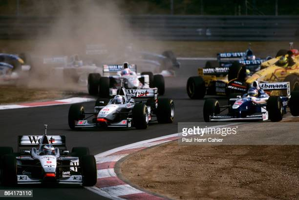 Mika Häkkinen David Coulthard Jacques Villeneuve Rubens Barrichello Ralf Schumacher McLarenMercedes MP4/12 WilliamsRenault FW19 StewartFord SF01...