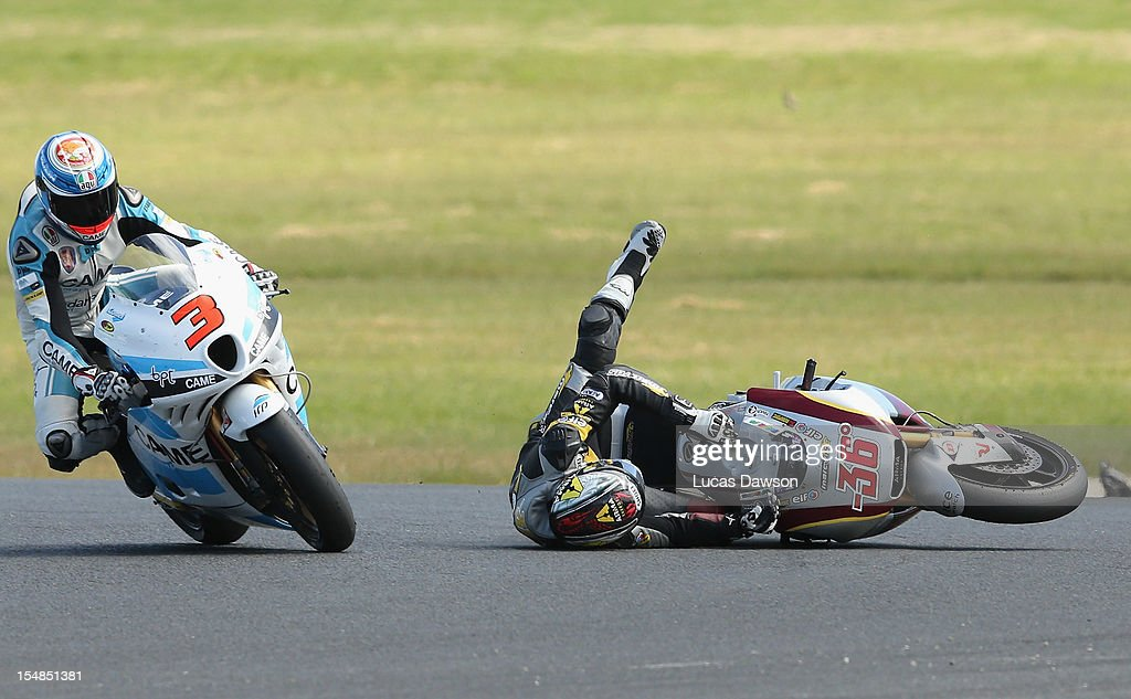 <a gi-track='captionPersonalityLinkClicked' href=/galleries/search?phrase=Mika+Kallio&family=editorial&specificpeople=543919 ng-click='$event.stopPropagation()'>Mika Kallio</a> of Finland and rider of the Marc Vds Racing Team crushes during the Moto2 World Championship at the Australian MotoGP during the Australian MotoGP, which is round 17 of the MotoGP World Championship at Phillip Island Grand Prix Circuit on October 28, 2012 in Phillip Island, Australia.