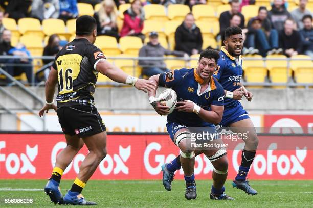 Mika Mafi of Otago looks to get past Asafo Aumua of Wellington during the round seven Mitre 10 Cup match between Wellington and Otago on October 1...