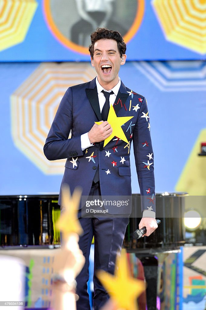 <a gi-track='captionPersonalityLinkClicked' href=/galleries/search?phrase=Mika&family=editorial&specificpeople=686723 ng-click='$event.stopPropagation()'>Mika</a> performs on ABC's 'Good Morning America' at Rumsey Playfield, Central Park on July 3, 2015 in New York City.