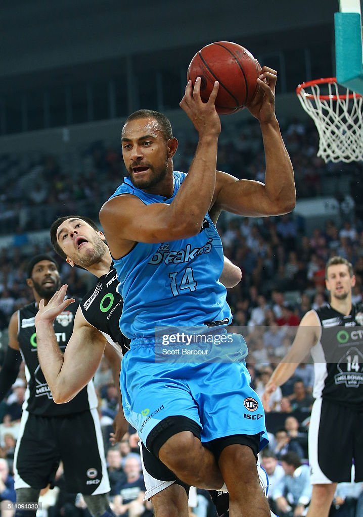 Mika Vukona of the New Zealand Breakers and Brad Hill of Melbourne United compete for the ball during the NBL Semi Final match between Melbourne...