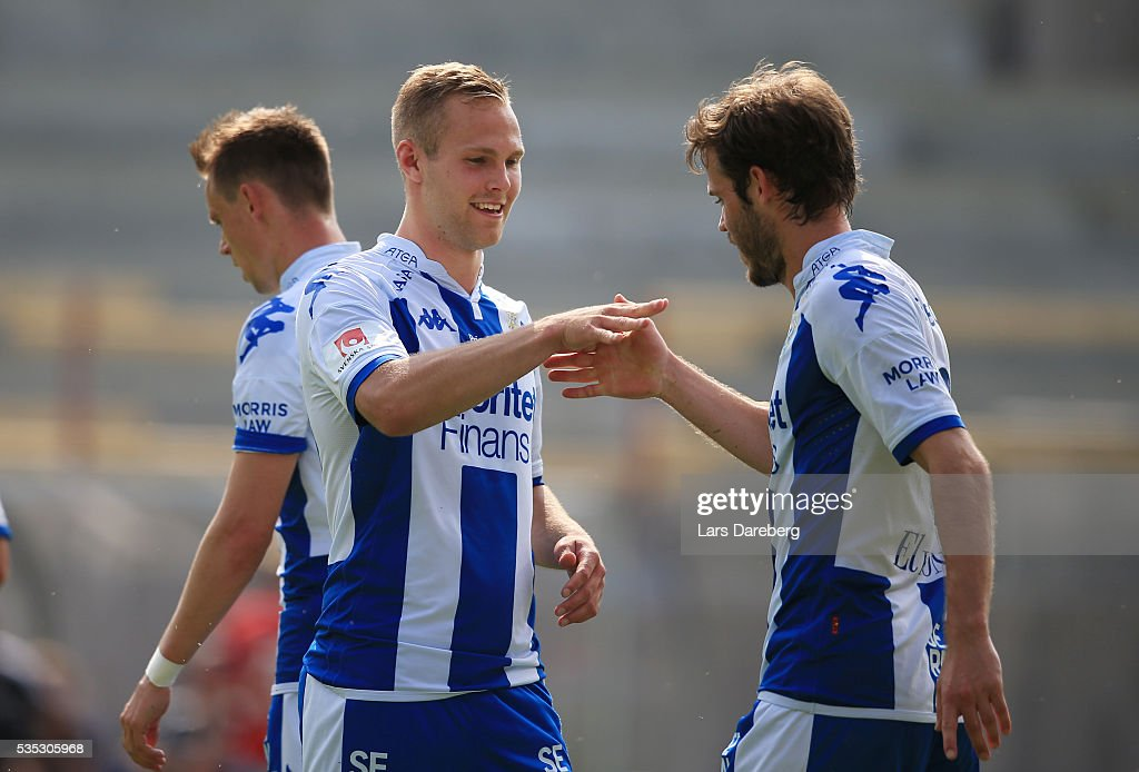 Mikael Boman of IFK Goteborg celebrate his 2-0 gola during the Allsvenskan match between Helsingborgs IF and IFK Goteborg at Olympia on May 29, 2016 in Helsingborg, Sweden.