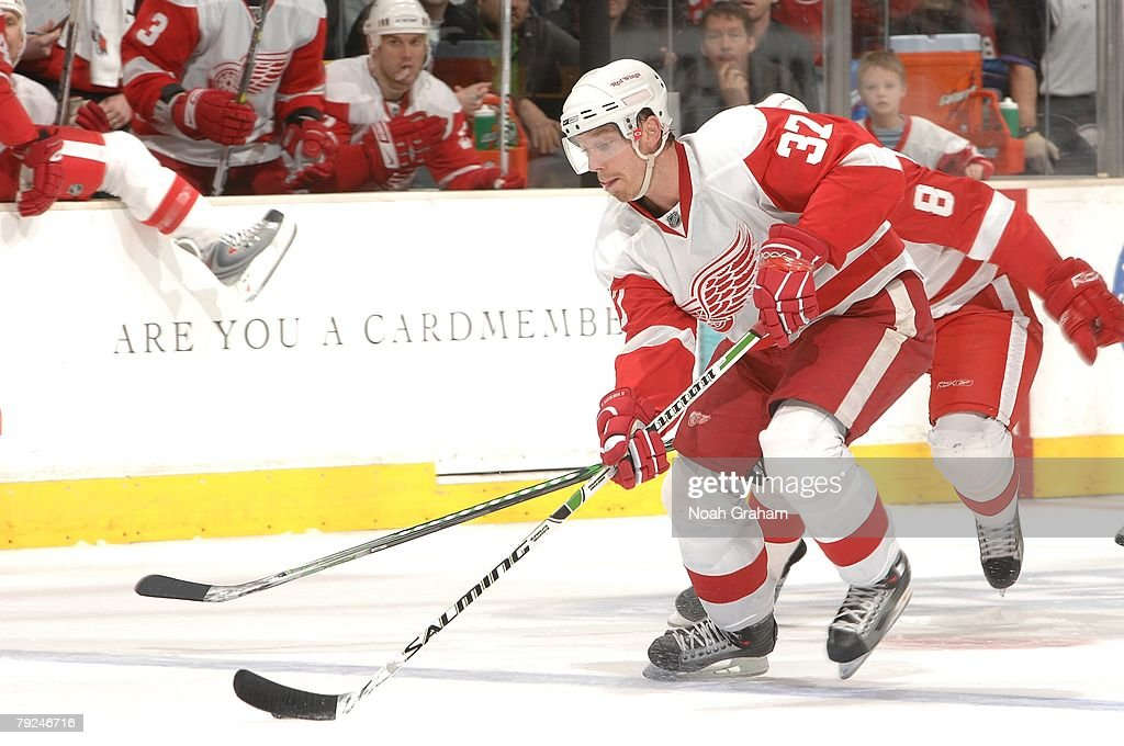 Mikael Samuelsson #37 of the Detroit Red Wings drives the puck against the Los Angeles Kings on January 22, 2008 at the Staples Center in Los Angeles, California