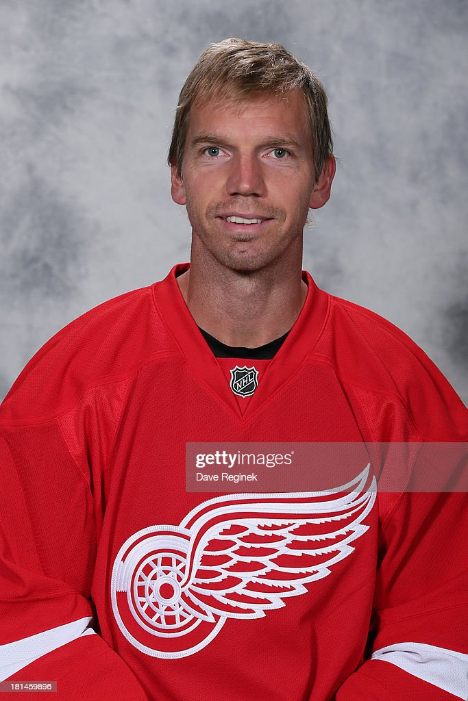<a gi-track='captionPersonalityLinkClicked' href=/galleries/search?phrase=Mikael+Samuelsson&family=editorial&specificpeople=203085 ng-click='$event.stopPropagation()'>Mikael Samuelsson</a> #37 of the Detroit Red Wings poses for his official headshot for the 2013-2014 season at Centre Ice Arena on September 11, 2013 in Traverse City, Michigan.