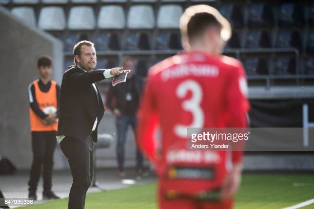 Mikael Stahre head coach of BK Hacken gives instructions during the Allsvenskan match between BK Hacken and IF Elfsborg at Bravida Arena on September...