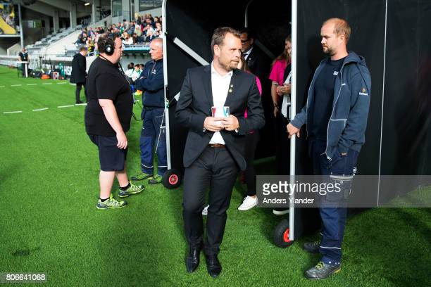 Mikael Stahre head coachof BK Hacken entering the pitch prior to the Allsvenskan match between BK Hacken and Hammarby IF at Bravida Arena on July 3...