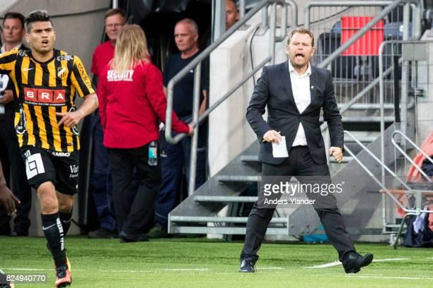 Mikael Stahre head coachof BK Hacken gives instructions during the Allsvenskan match between BK Hacken and Orebro SK at Bravida Arena on July 31 2017...