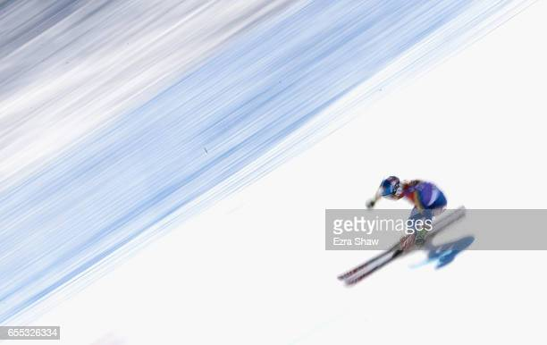 Mikaela Shiffrin of the United States skis her second run in the ladies' giant slalom during the 2017 Audi FIS Ski World Cup Finals at Aspen Mountain...