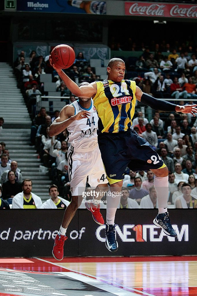 Mike Batiste #24 of Fenerbahce Ulker Istanbul in action during the 20122013 Turkish Airlines Euroleague Regular Season Game Day 8 between Real Madrid...