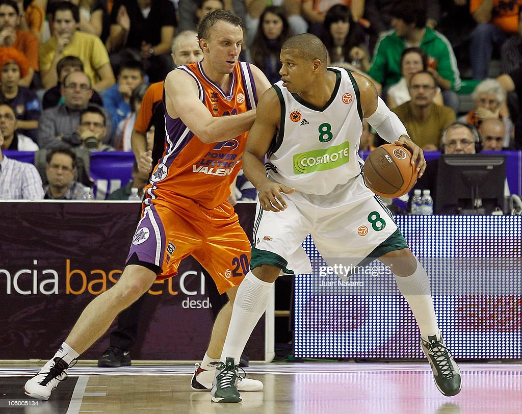 Mike Batiste #8 of Panathinaikos Athens competes with Dusko Savanovic #20 of Power Electronics Valencia during the Turkish Airlines Euroleague...