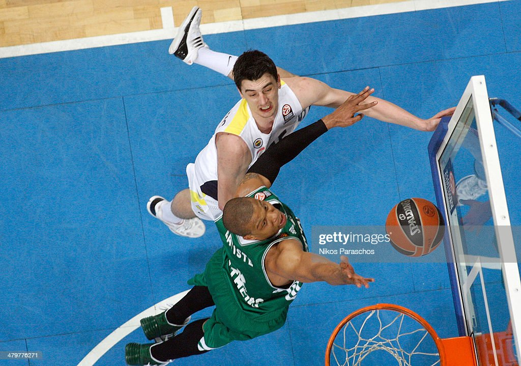Mike Batiste #8 of Panathinaikos Athens competes with Emir Preldzic #55 of Fenerbahce Ulker Istanbul during the 20132014 Turkish Airlines Euroleague...