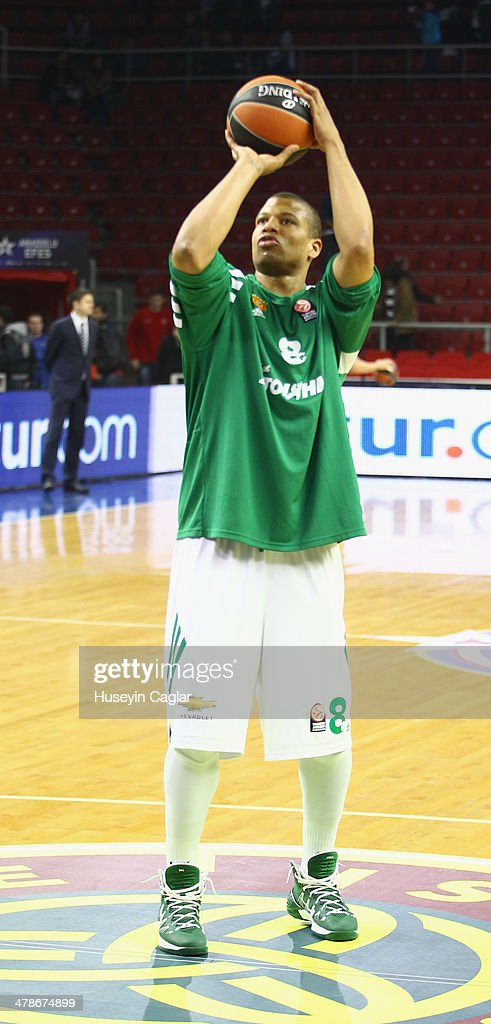Mike Batiste #8 of Panathinaikos Athens in action during the 20132014 Turkish Airlines Euroleague Top 16 Date 10 game between Anadolu EFES Istanbul v...