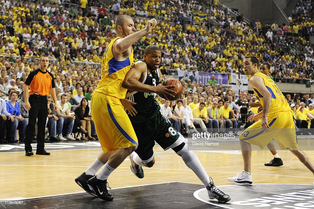 Mike Batiste of Panathinaikos drives to the basket under a challenge by Milan Macvan of Maccabi Tel Aviv during the Turkish Airlines EuroLeague Final...