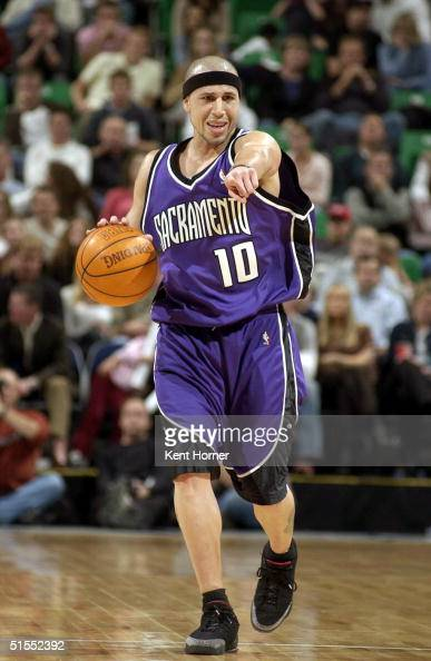 Mike Bibby of the Sacramento Kings directs the offense against the Utah Jazz on October 22 2004 at the Delta Center in Salt Lake City Utah NOTE TO...