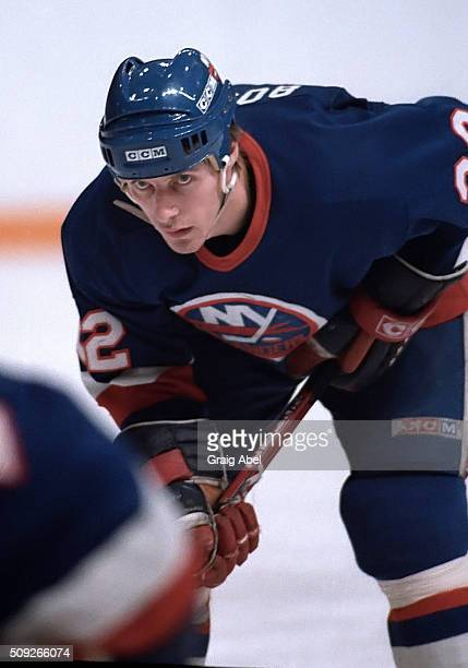 Mike Bossy of the New York Islanders prepares for the faceoff during NHL game action against the Toronto Maple Leafs in Maple Leaf Gardens in Toronto...
