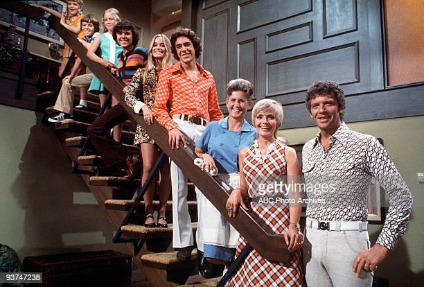 BUNCH 9/69 TRACKING Mike Brady an architect with three sons married Carol a widow with three daughters Their children were from bottom Greg Marcia...