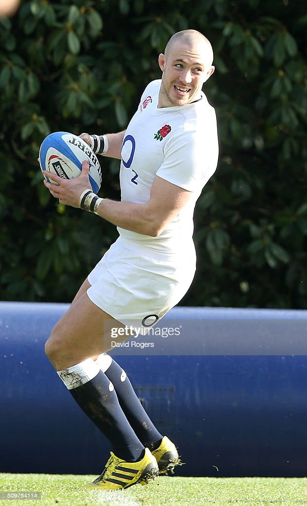 <a gi-track='captionPersonalityLinkClicked' href=/galleries/search?phrase=Mike+Brown+-+Rugbyer&family=editorial&specificpeople=2385268 ng-click='$event.stopPropagation()'>Mike Brown</a> looks on during the England training session held at Pennyhill Park on February 12, 2016 in Bagshot, England.