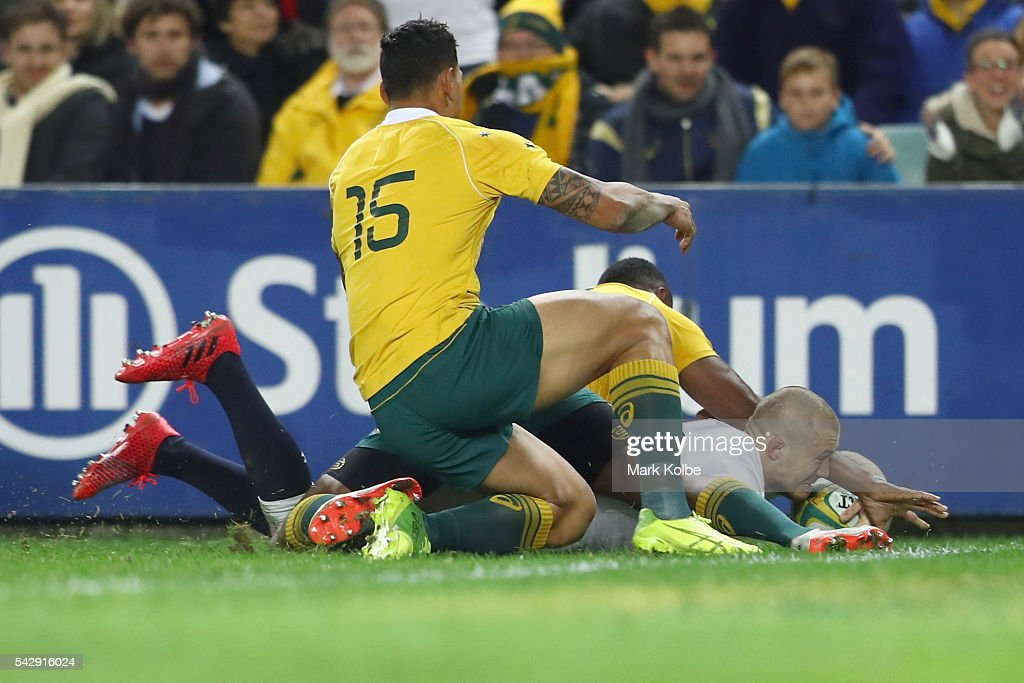 Mike Brown of England scores a try during the International Test match between the Australian Wallabies and England at Allianz Stadium on June 25, 2016 in Sydney, Australia.