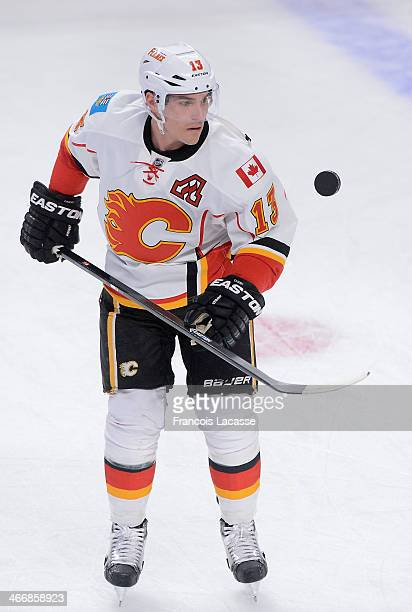 Mike Cammalleri of the Calgary Flames warmsup before a game against his former team the Montreal Canadiens on February 4 2014 at the Bell Centre in...