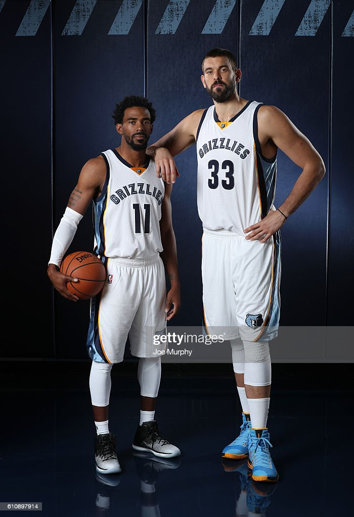 ¿Cuánto mide Mike Conley? - Real height Mike-conley-and-marc-gasol-of-the-memphis-grizzlies-poses-for-a-picture-id610897914