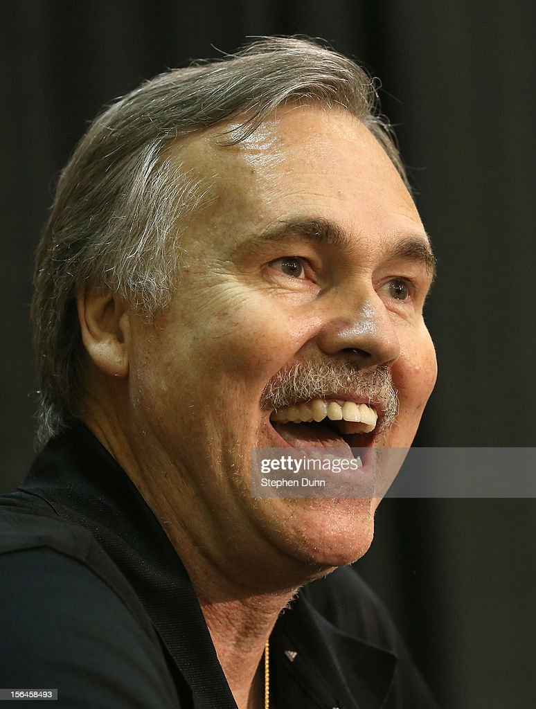 <a gi-track='captionPersonalityLinkClicked' href=/galleries/search?phrase=Mike+D%27Antoni&family=editorial&specificpeople=203175 ng-click='$event.stopPropagation()'>Mike D'Antoni</a> laughs as he speaks at a press conference introducing him as the new Los Angeles Lakers head coach on November 15. 2012 at the Lakers practice facility at the Toyota Sports Center in El Segundo, California.