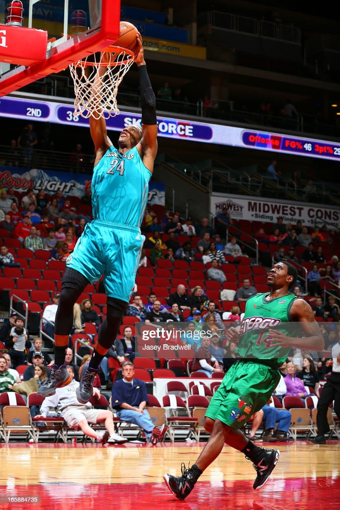 Mike Davis #24 of the Sioux Falls Skyforce dunks the ball past Paul Harris #14 of the Iowa Energy in an NBA D-League game on April 6, 2013 at the Wells Fargo Arena in Des Moines, Iowa.
