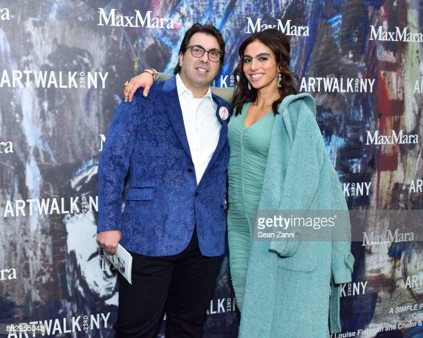 Mike De Paola and Shari Loeffler attend the 2017 ARTWALK NY Benefiting Coalition for the Homeless at Spring Studios on November 29 2017 in New York...