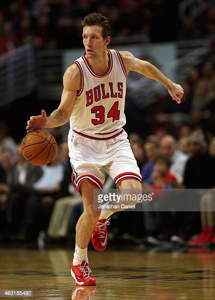 Mike Dunleavy of the Chicago Bulls brings the ball up the court against the Sacramento Kings at United Center on February 10 2015 in Chicago Illinois...