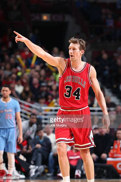 Mike Dunleavy of the Chicago Bulls during the game against the Los Angeles Clippers on March 1 2015 at United Center in Chicago Illinois NOTE TO USER...